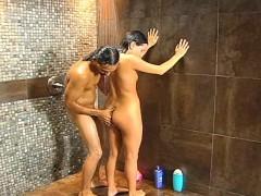 Порно видео лесбиянок в ванной