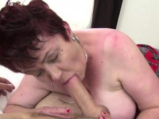 Порно фото раздвинутые ноги в ванной
