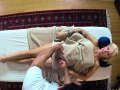 Порно видео предметы влагалище старухи