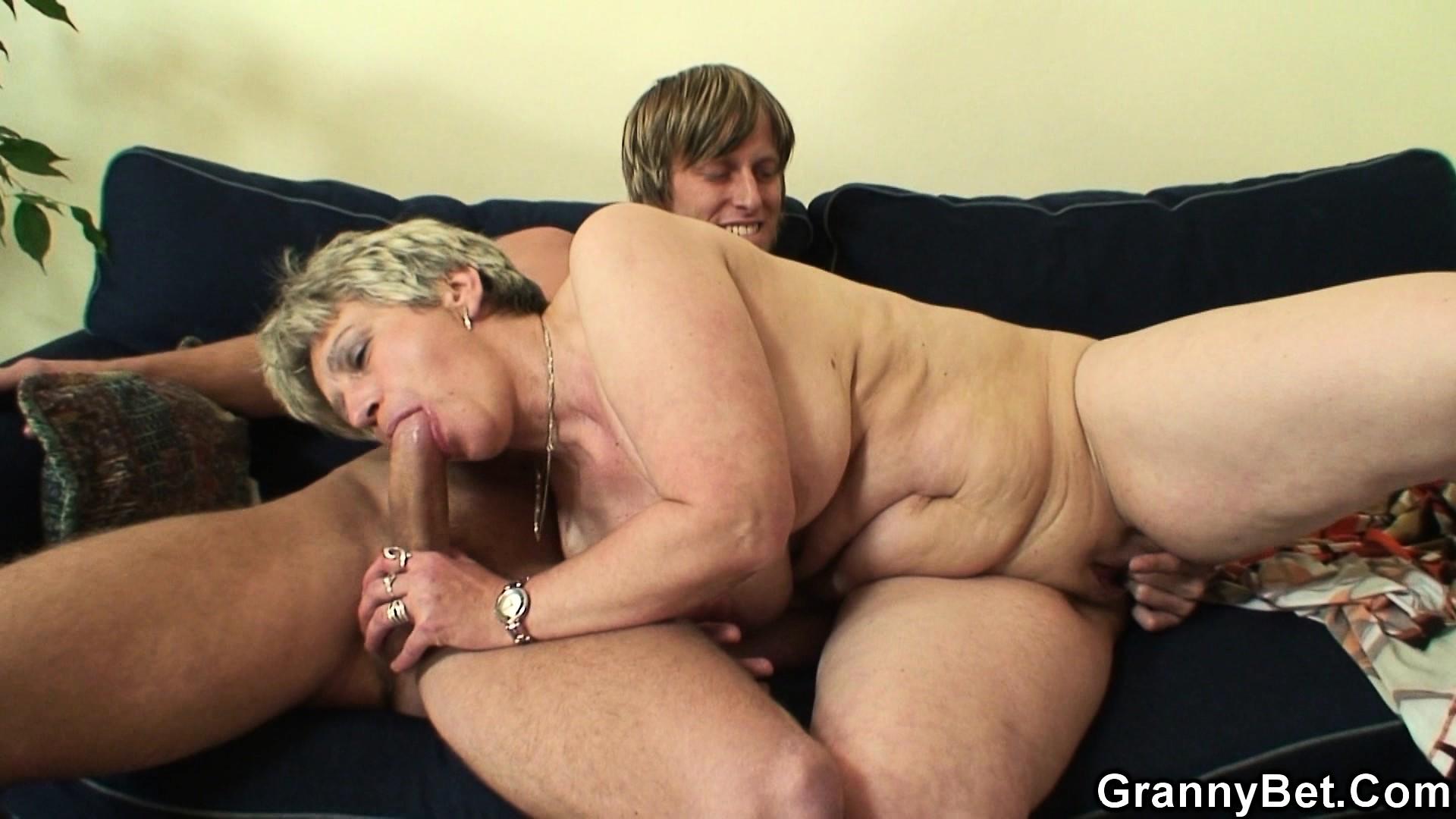 seks-s-60-letney-video