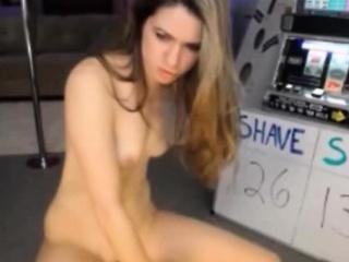 Моя подруга трахается со всеми любительское порно фото