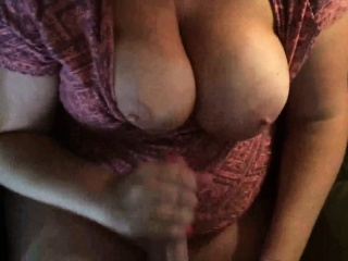 Busty bbw makes him cum on her boobs...