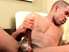 Hung black stud scottie jerking his penish | Porn-Update.com