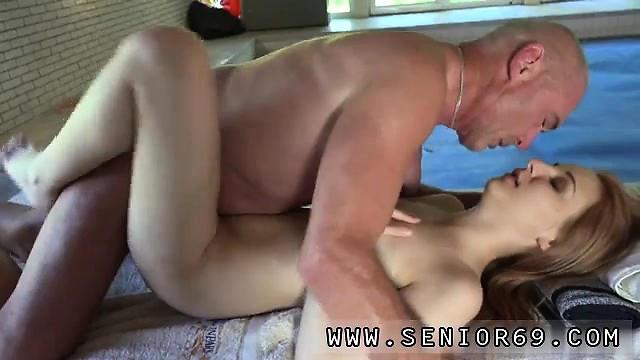 Порно старик возбудил