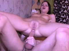 секс рассказ целовал грудь