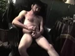 Ногами мастурбируют член