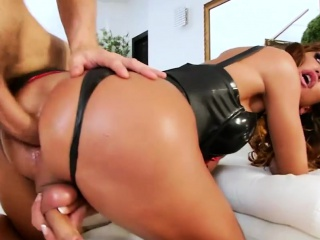 Big ass shemale gets her ass ripped good by hard man meat