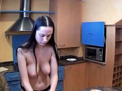 Секс видео в походе классом
