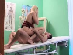 Порно видео анал молодые в квартире на кухне русское