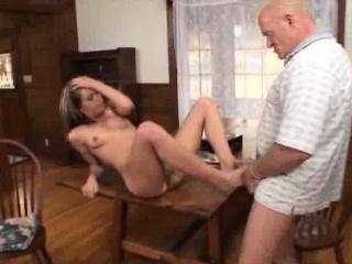 Жена с любовником унижают мужа частное