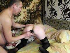 Молодую жену муж и друг порно