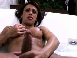 Leaked FULL video of naughty shemale jerking off in bathtub
