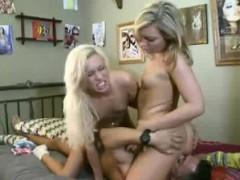 секс с соседом по квартире видео онлайн