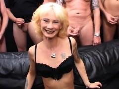 Видео бесплатное мать с сыном секс