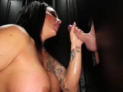 Взрослые женщины в порно видео снятое на скрытую камеру