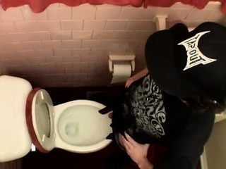 How many homogay sexual males in usa Unloading In The Toilet