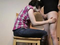 Секс массаж между мамой и дочкой эротика лезби