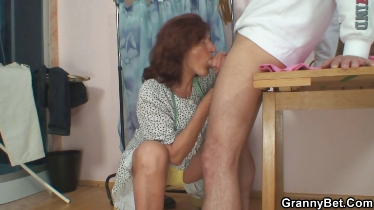 Porno Video of He Bangs Sewing Granny