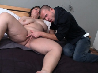 Уговорил жену при нем трахнутся с другом смотреть порно онлайн