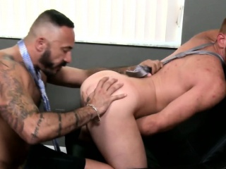 Mature office hunk rimming before anal