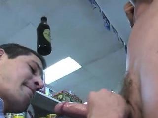Download bodybuilder gay sex videos Today on OP, we treat yo