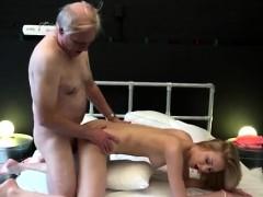 Пьяные зрелые бабы.порно видео.