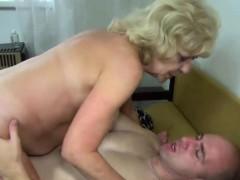 Секс прямо на парте онлайн