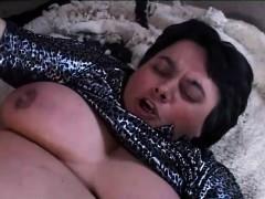 После семок в порно фильме болит анус