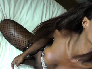 Bigcock black tranny deepthroated by guy