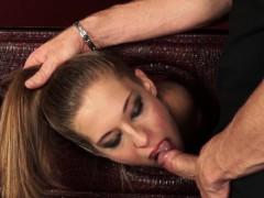 Порно видео отсосгеиогромный хуй