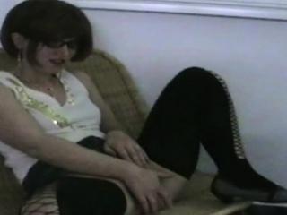 Молодой пацан трахнул соседку смотреть порно