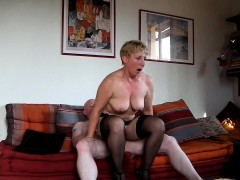 Порно дрочил один в кабинете но зашла красивая училка