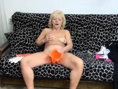 Порно видео старые мужики снимают молодую шлюху