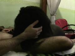 Смотреть видео у девушки выделяется пися через трусики