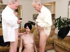 Пьяная мама секс видео дома
