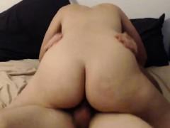 Порно в туалете скрытой камерой институт
