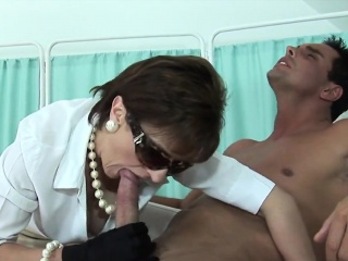 cheating english mature lady sonia presents her gigantic bal