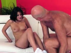 Сексуальное видео женщины в казахском