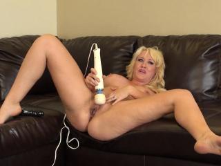 hot, busty blonde alana evans puts on live masturbation for her cam