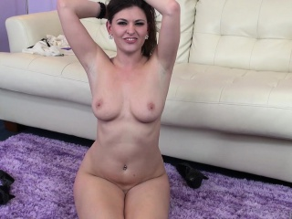 victoria lawson exposes her lovely body and fulfills her sexual urges