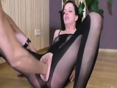 Видео мастурбация самотыком домашняя красивых девушек