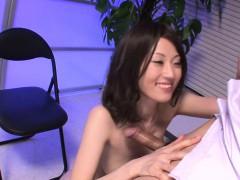 Порно стройная с огромной задницей