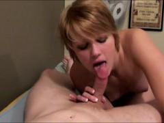Секс видео жена трахает мужа игрушками