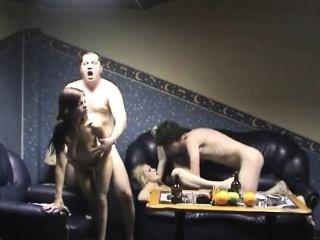 Порно фото-жестокий секс с женой