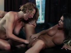 Порно секс на пляже видео фильм бесплатно