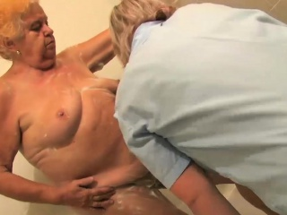 Old fat bbw granny stripped in bathroom...