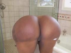 Рахнулась с любовником в ванной