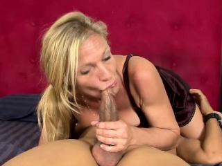 Реальный секс зрелых дам бесплатно