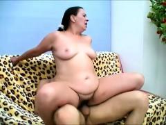 Видео секс в туалете бара