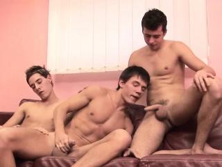 Hung Twinks Bareback 3way Gay Sex